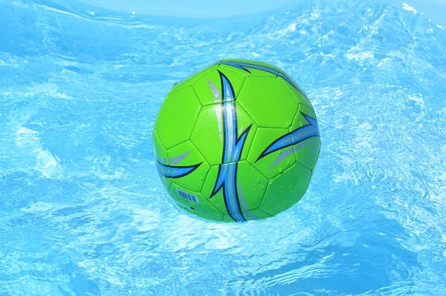 zelený míč