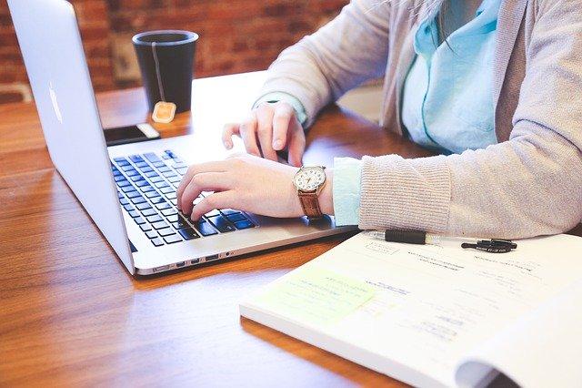 Psaní, klávesnice, počítač