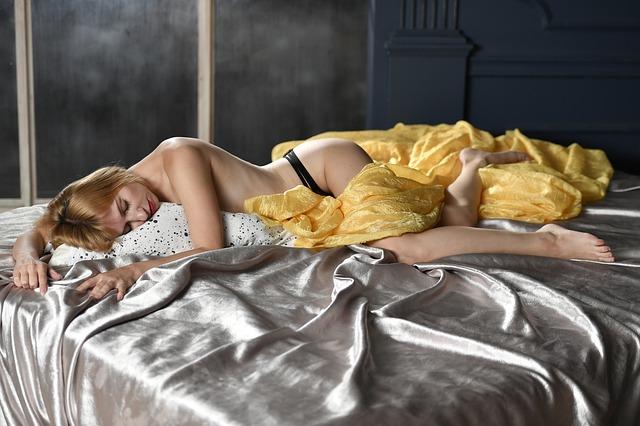 spokojený partnerka po sexu